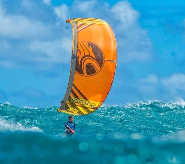 Curso de Windsurf en Mar Menor, Murcia. Curso avanzado de Kitesurf